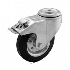 Колесо на черной резине в поворотном кронштейне с отверстием и тормозом 1090125 РE